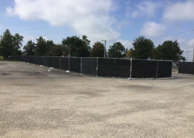 6-foot-temporary-event-fence-through-parking-lot